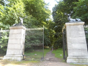 The grand entrance to the Tiergarten